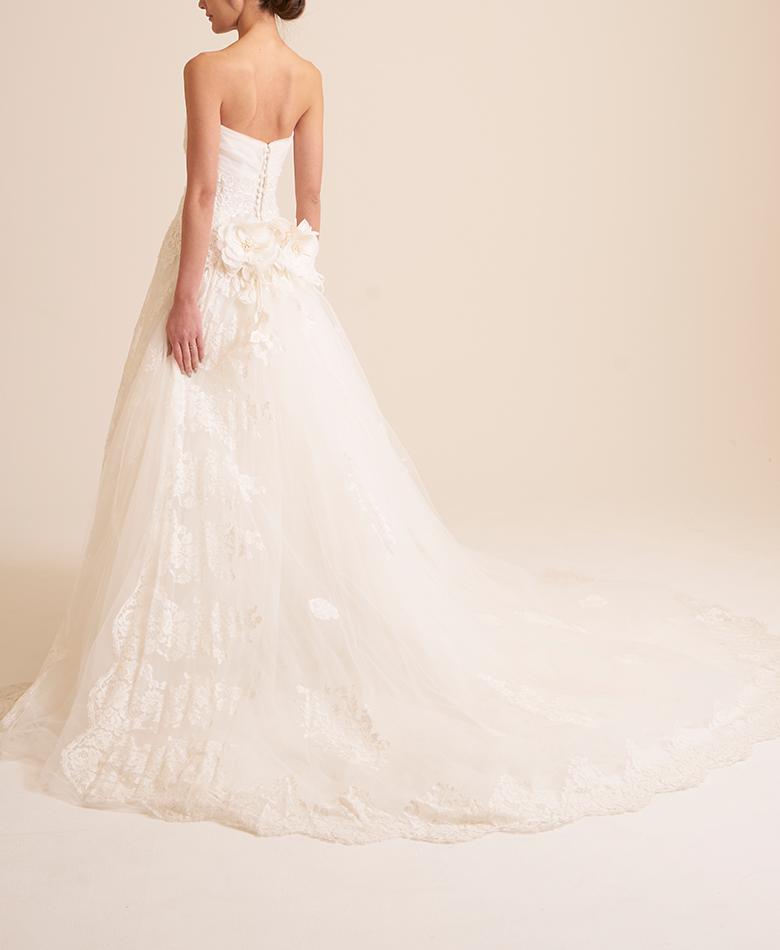 5988b2f1f3b3f RS COUTURE (9号) A THINGS WHITE - ウェディングドレスの中古販売 ...